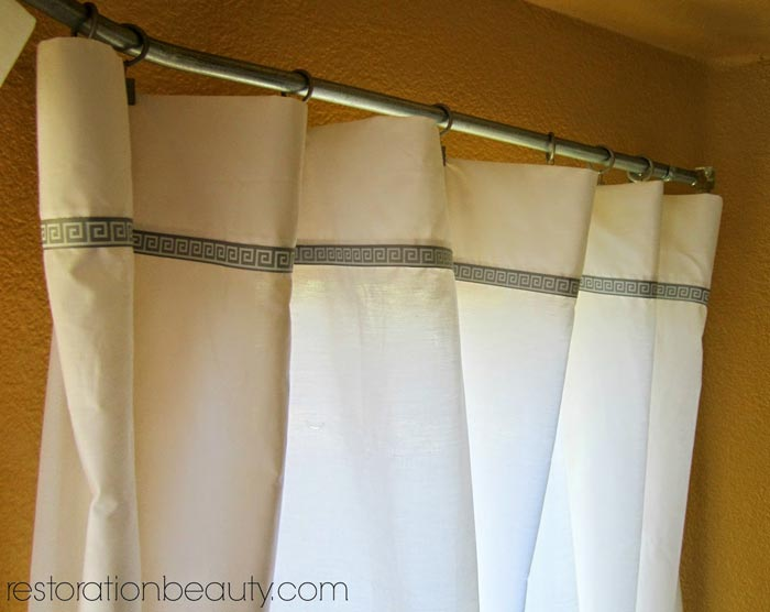 diy-curtains-with-bed-sheet-and-ribbon