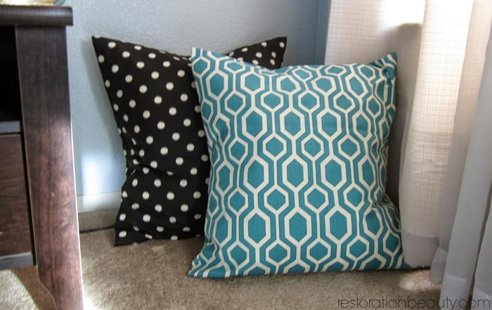 easy-envelope-pillow-covers