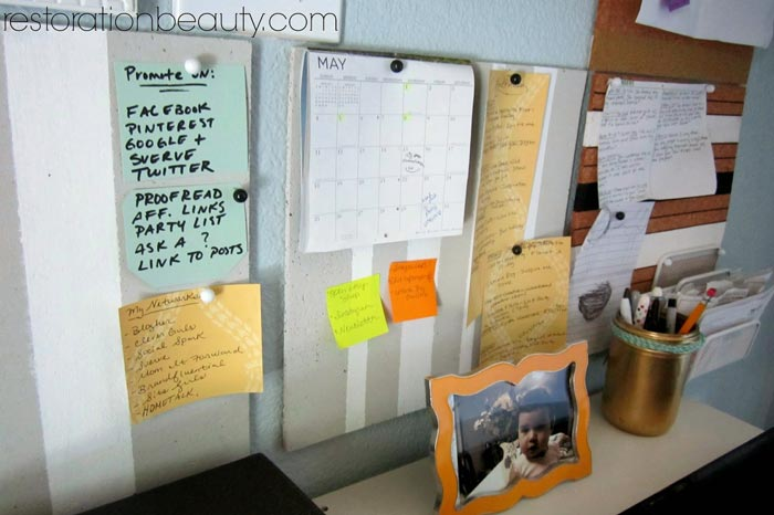 how-to-organize-a-small-office-space-1